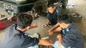 Bengkel Otomotif SMK