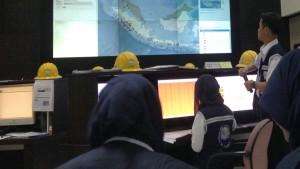 Simulasi Peringatan Dini Tsunami